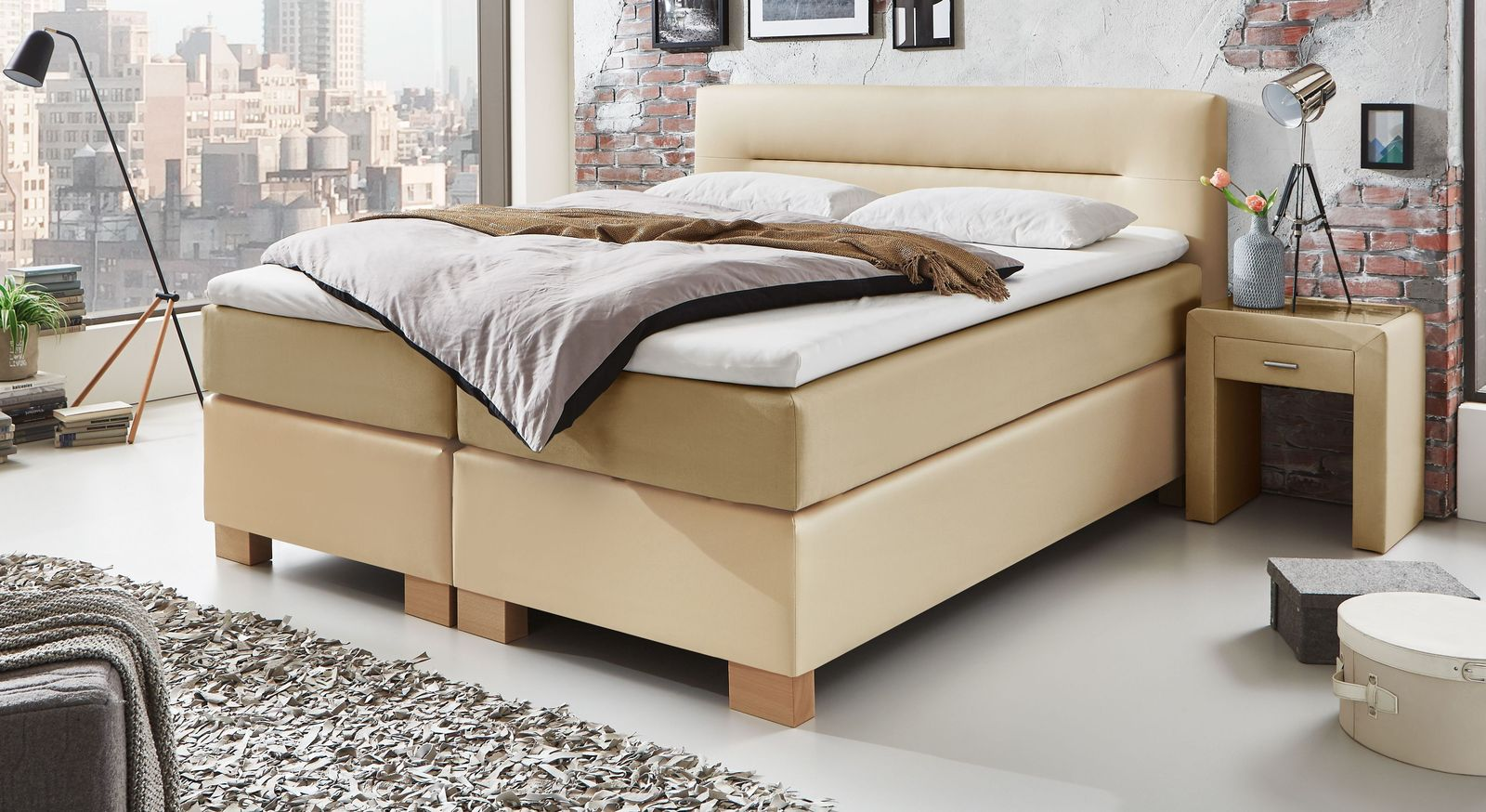 Boxspringbett Sunshine in sand- und naturfarbenem Materialmix