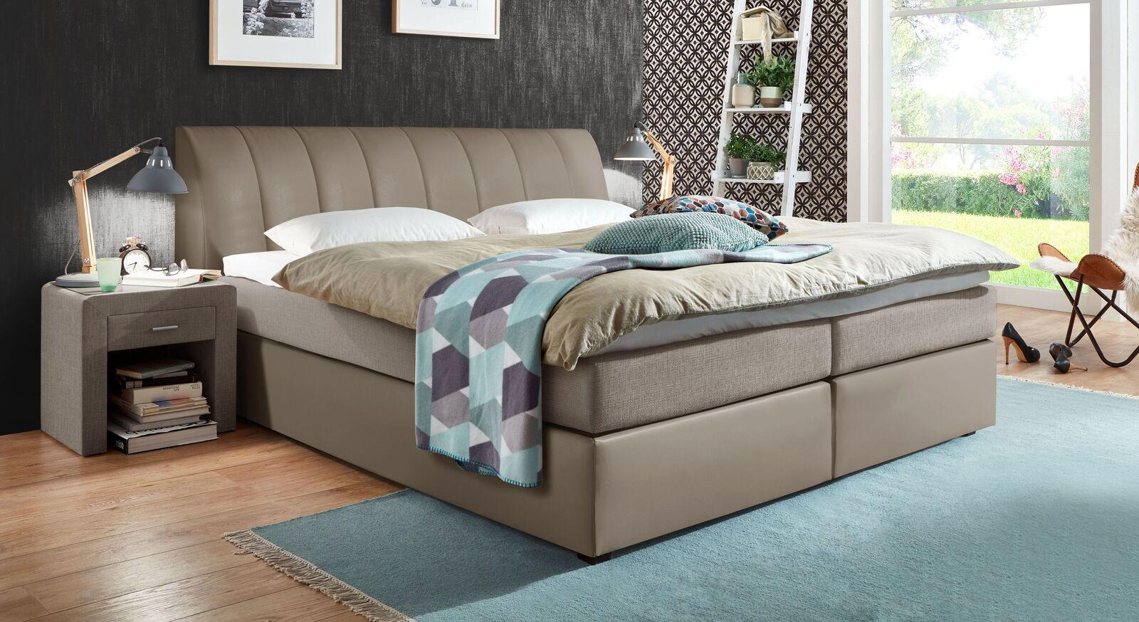 Boxspringbett Sydney in attraktivem Materialmix