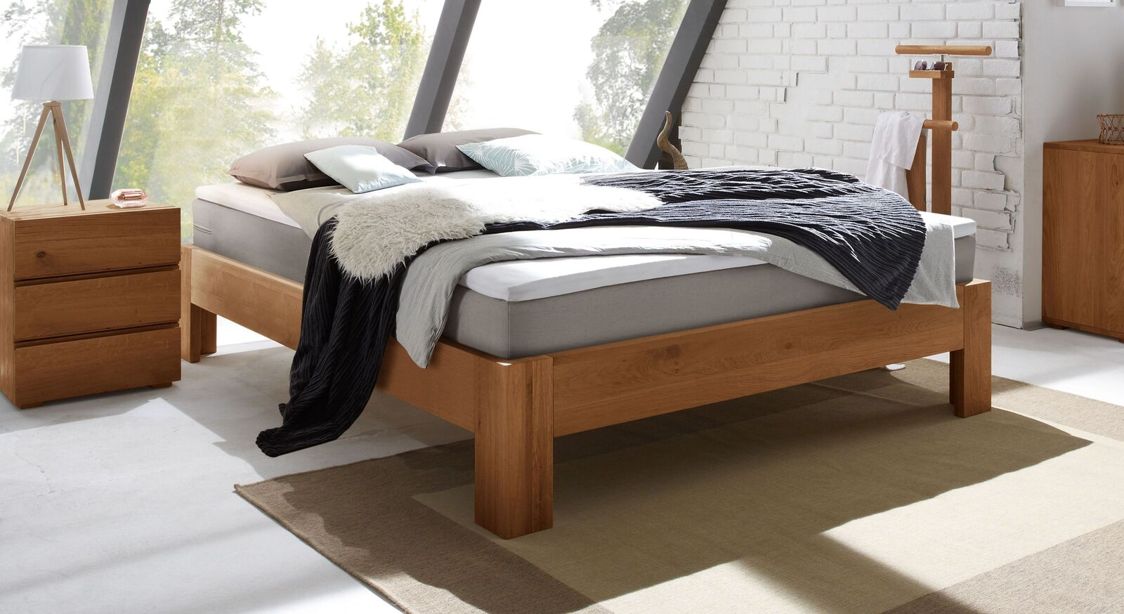Boxspringliege Kingston aus Eiche Cognac