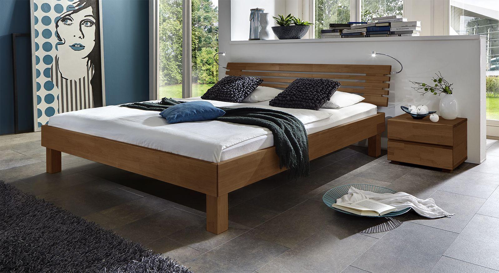Doppelbett Livenza aus massivem Buchenholz nussbaumfarben