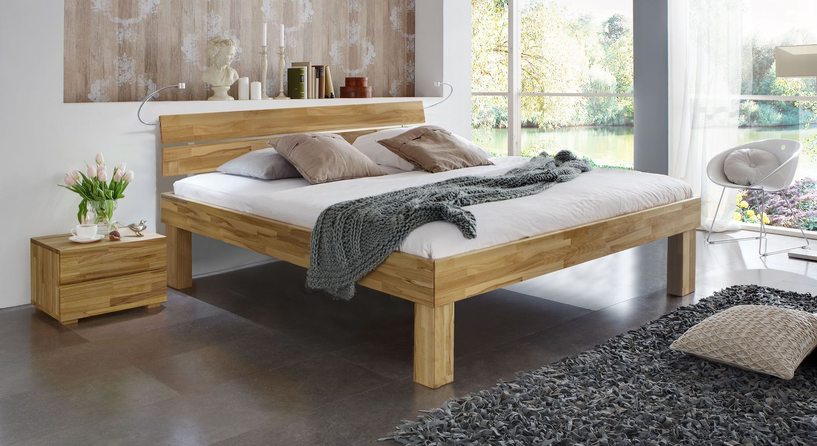 Doppelbett Madrid Komfort aus Kernbuche natur in 30 cm Höhe