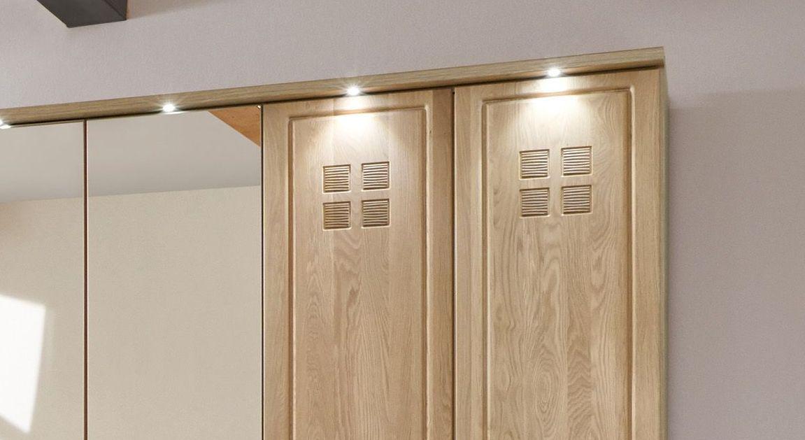 Drehtüren-Kleiderschrank Bloomfield mit detailreicher Ausarbeitung