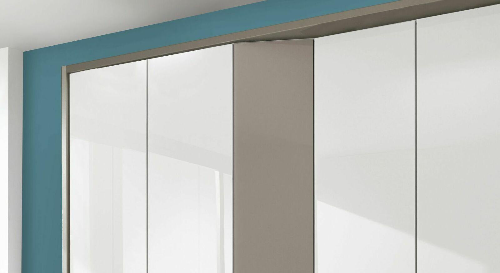 Drehtüren-Kleiderschrank Evansville mit zusätzlichem Stauraum