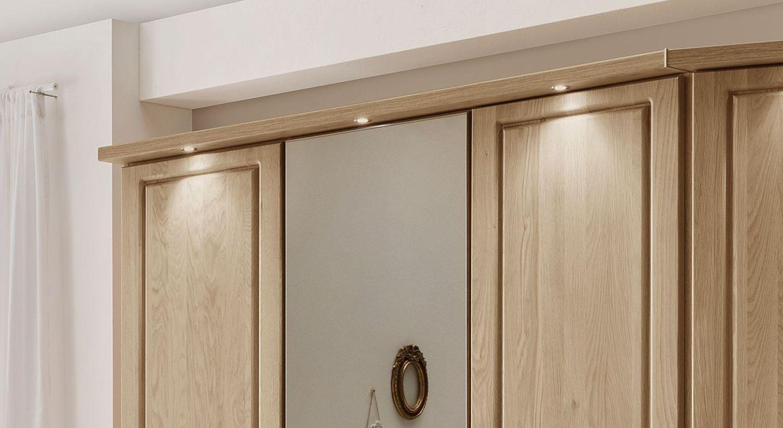 Drehtüren-Kleiderschrank Hazelton mit attraktiver Beleuchtung