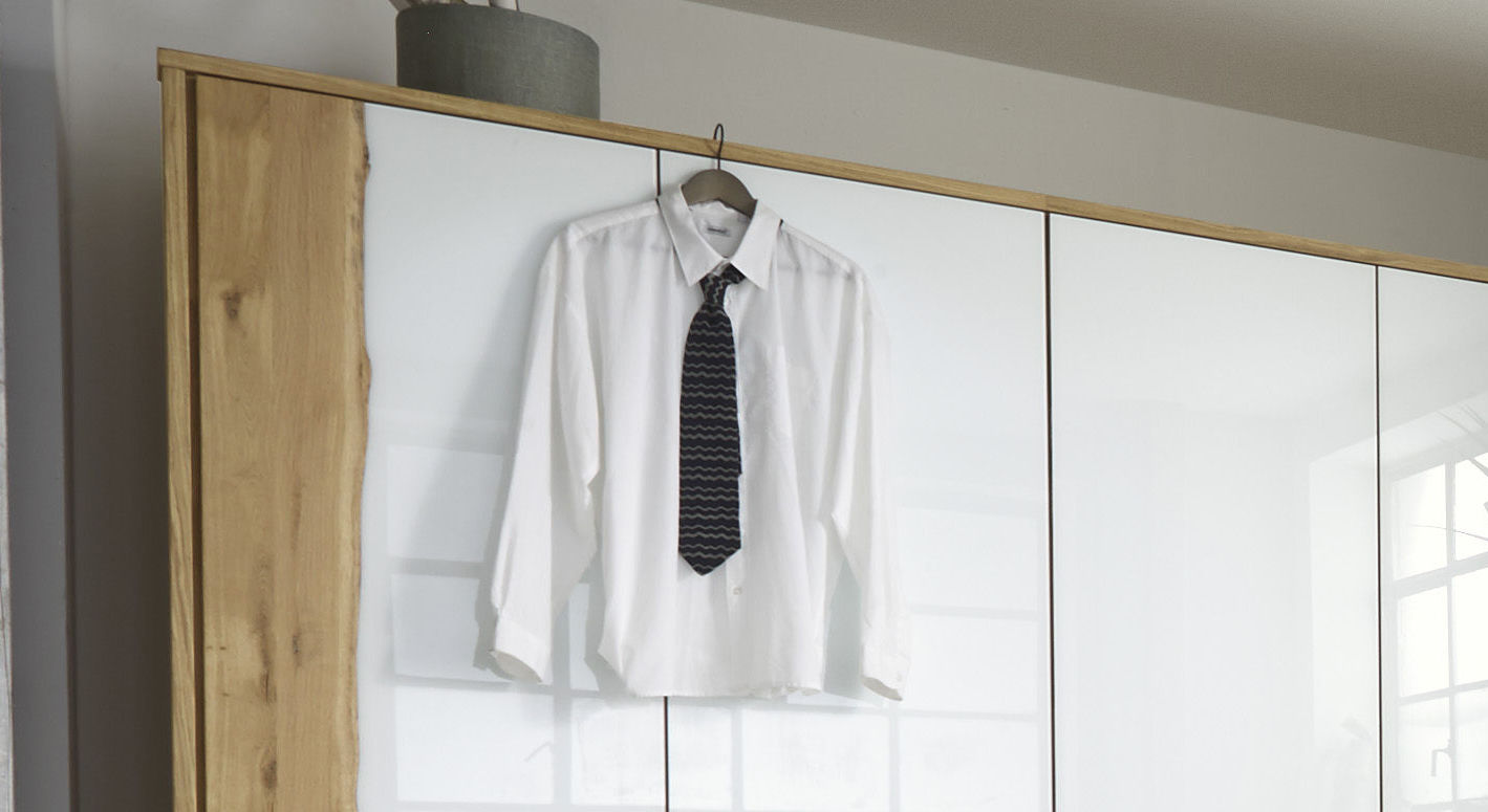 Drehtüren-Kleiderschrank Imst mit dekorativem Wildeichenrahmen