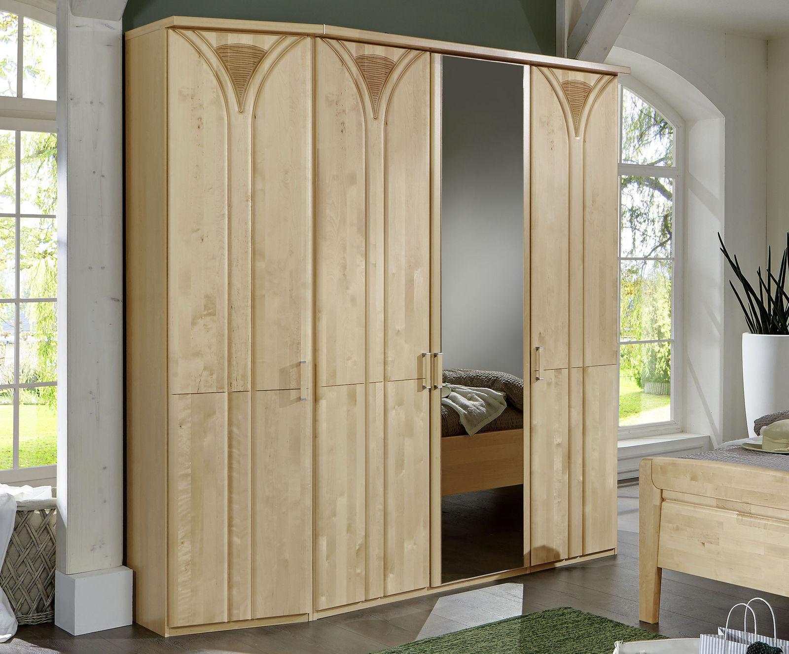 kleiderschrank aus birke mit spiegeln und zierfr sungen karia. Black Bedroom Furniture Sets. Home Design Ideas