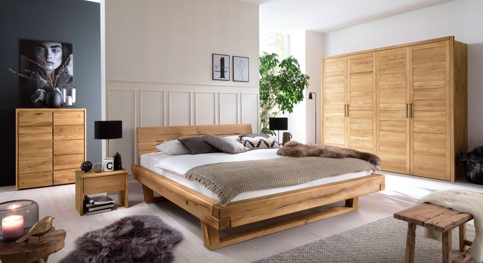 Passende Schlafzimmermöbel zum Drehtüren-Kleiderschrank Listra