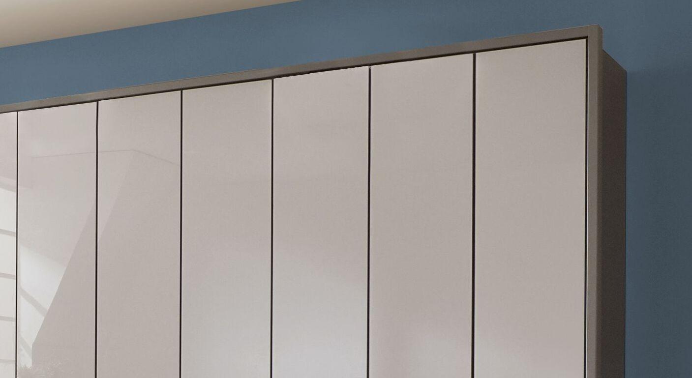 Drehtüren-Kleiderschrank Livingston mit dekorativem Passepartout-Rahmen