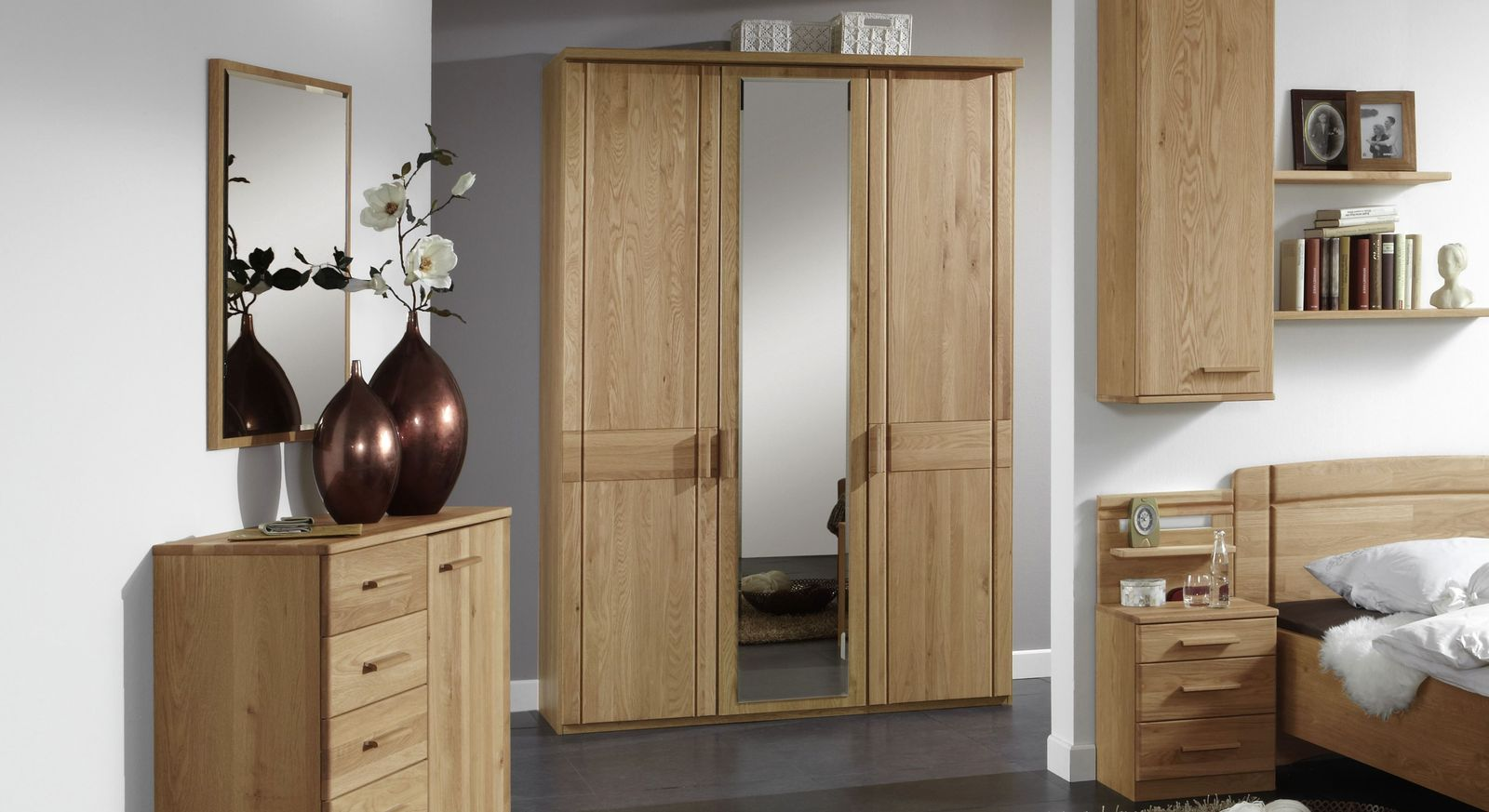 eichenschrank mit spiegeln individuell einteilbar toliara. Black Bedroom Furniture Sets. Home Design Ideas