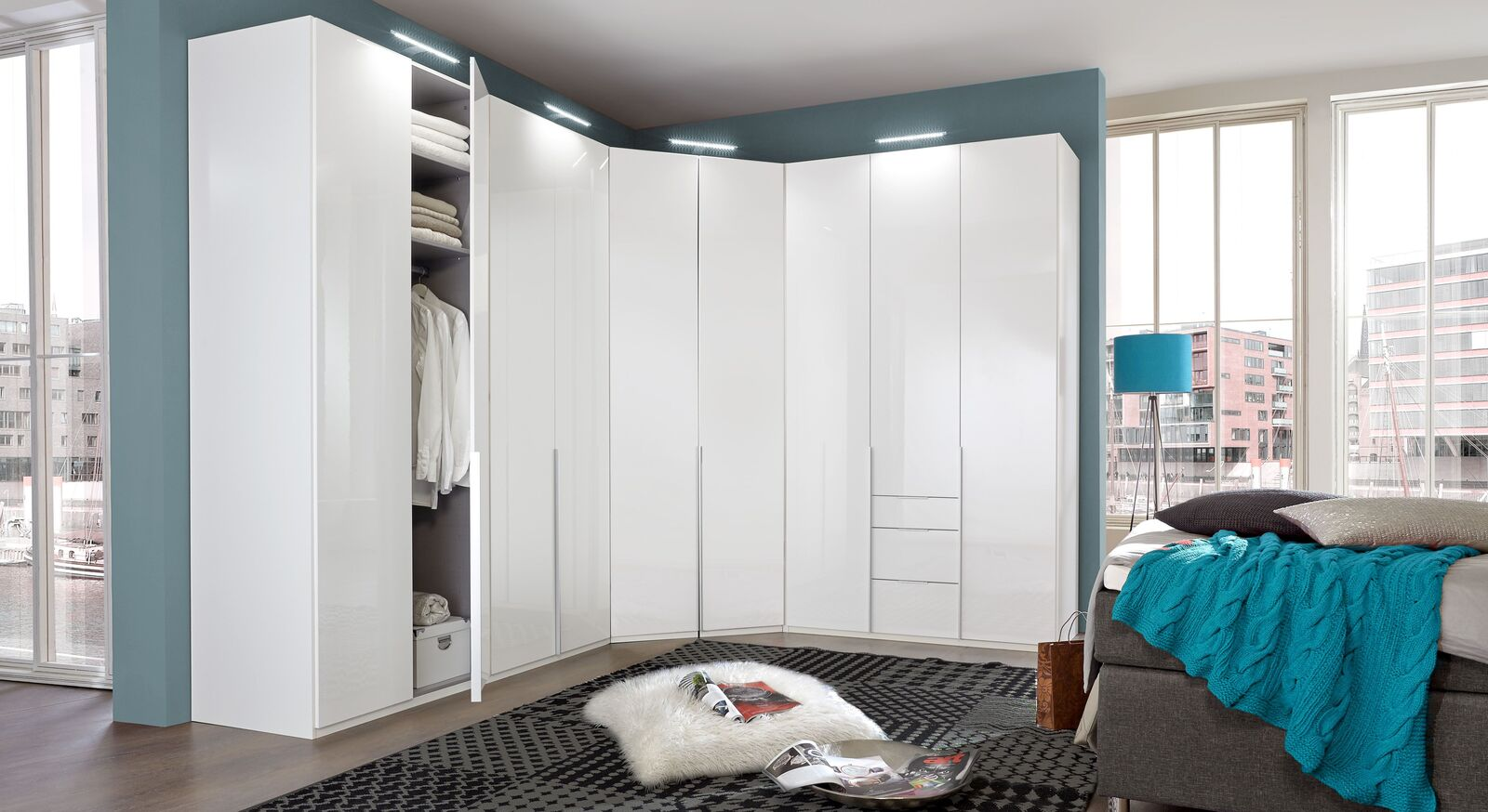 Eck-Kleiderschrank Esperia in geradlinigem Design