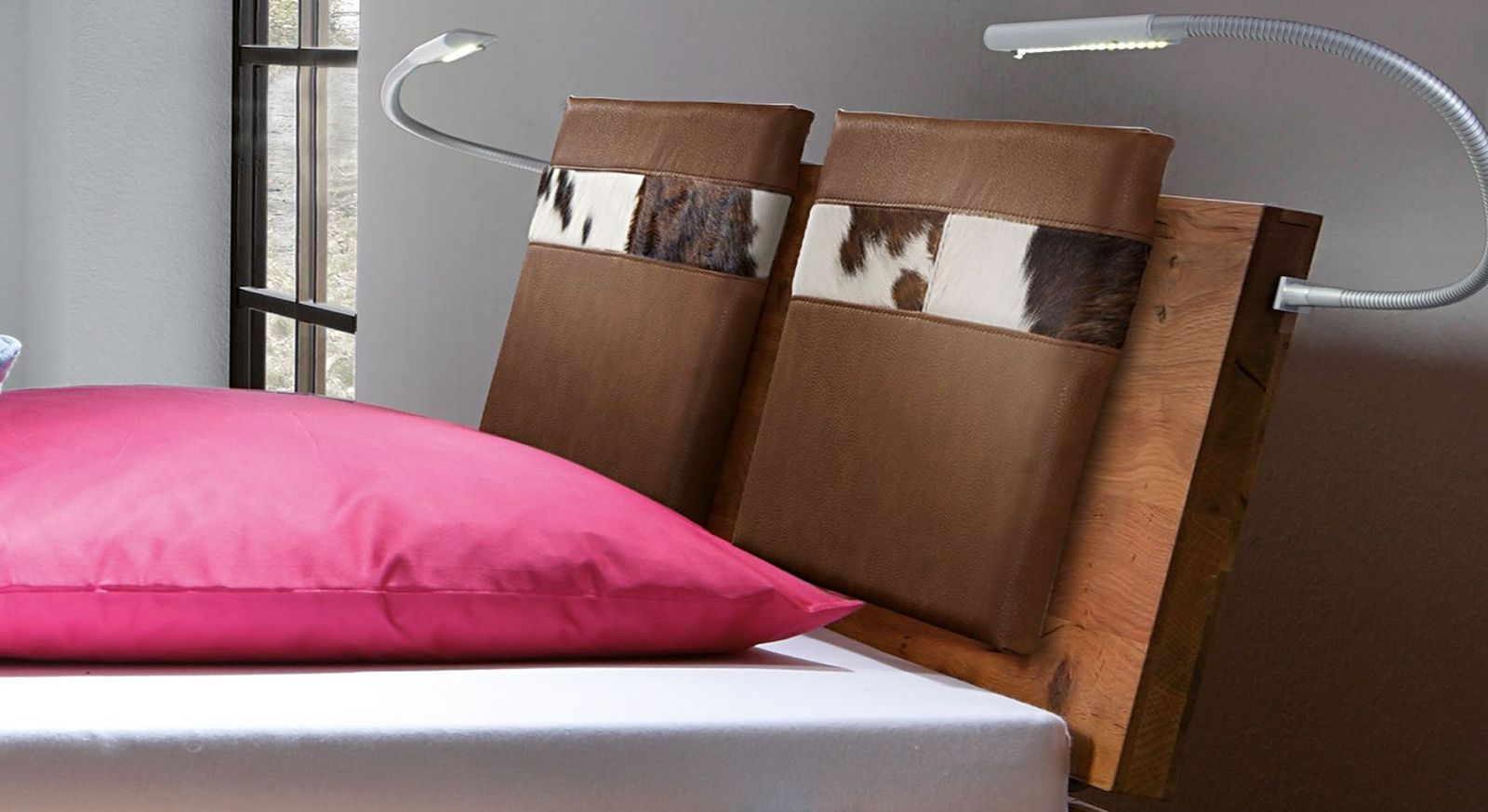 Cognacfarbene Einsteck-Kissen Mallero aus Luxus-Kunstleder mit Fell