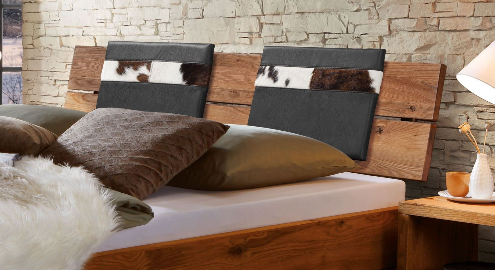 Einsteck-Kissen Mallero aus Luxus-Kunstleder mit Fell in rustikalem Stil