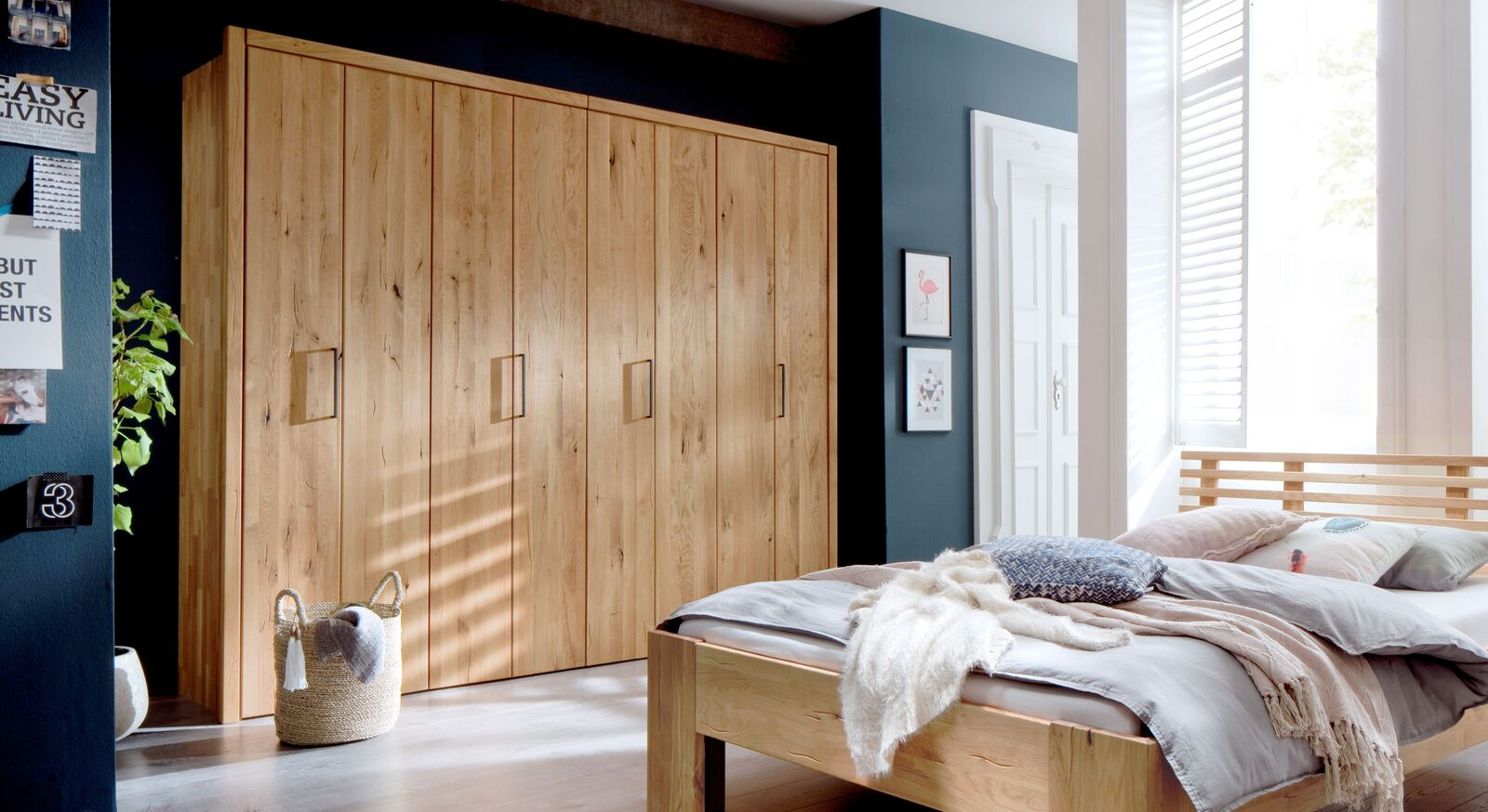 Moderner Falttüren-Kleiderschrank Lisana aus Holz