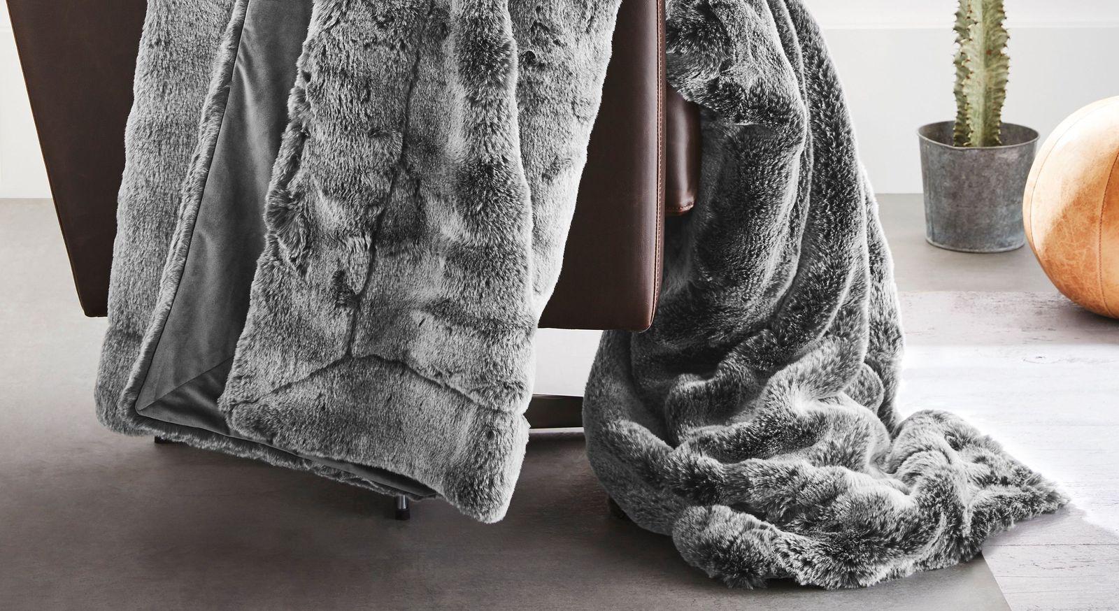 Stilvolle Felldecke Wildkatze grau von bugatti in elegantem Dessin
