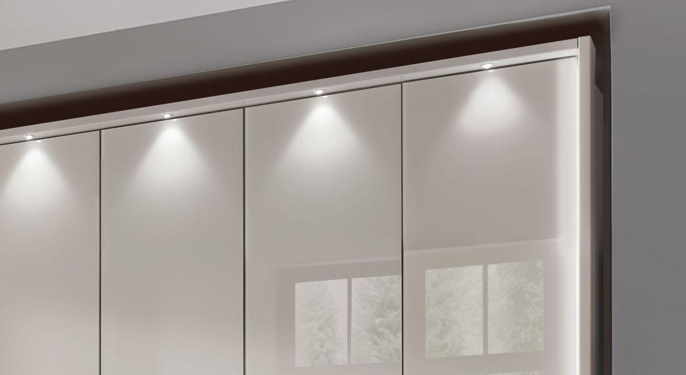 Funktions-Kleiderschrank Northville mit Rahmen- und Stollenbeleuchtung