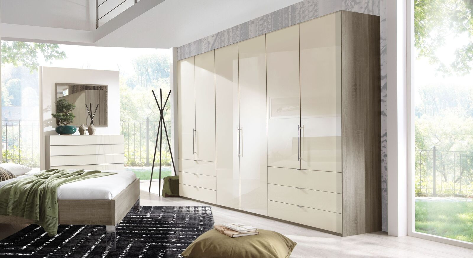 Funktions-Kleiderschrank Tiko mit Glasfronten in Magnolie
