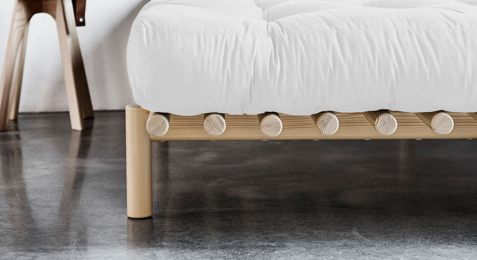 Futonbett Liri in innovativer Optik
