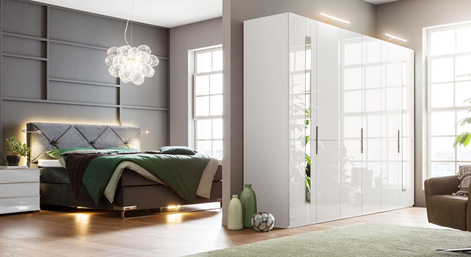 Hochwertiger GALLERY M Drehtüren-Kleiderschrank IMOLA W in Weiß