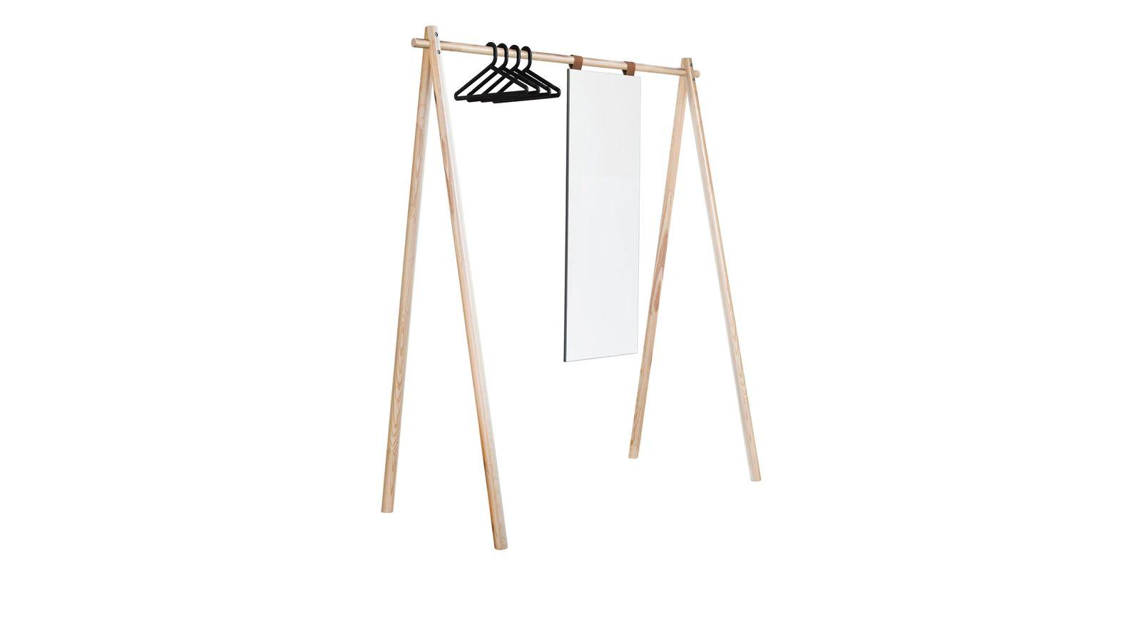 Naturfarbene Garderobe Toffia mit schwarzen Bügeln und Spiegel