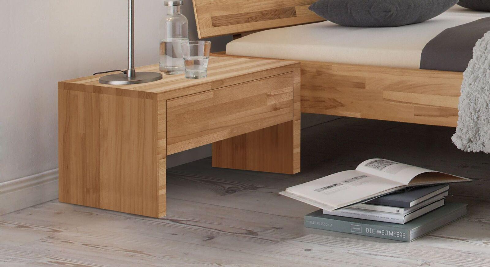 Geradliniger Nachttisch Louvera aus Massivholz