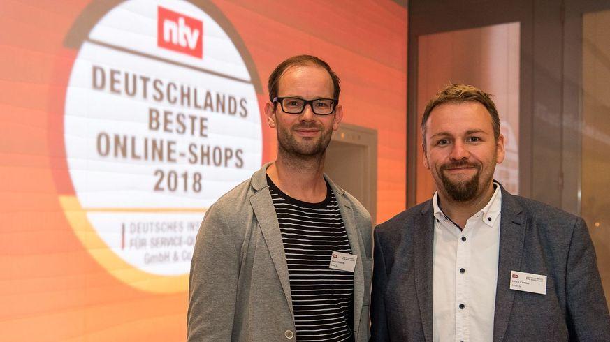 Geschäftsführer Wabnik und Carsten Preisverleihung n-tv