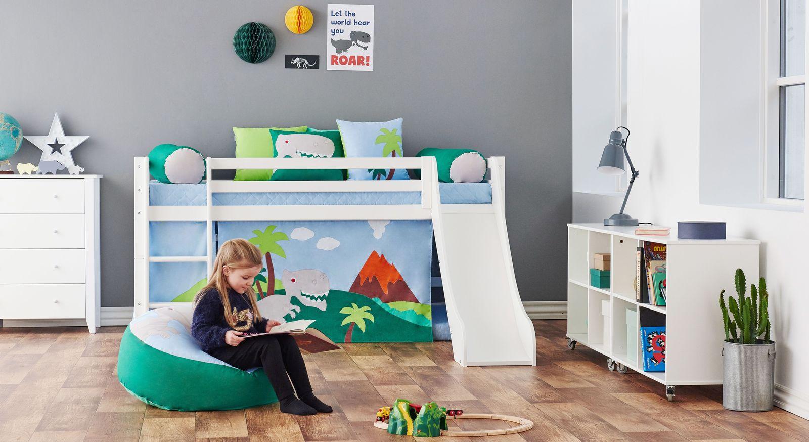 Halbhohes Bett Dinosaurier Mit Zubehör Fürs Kinderzimmer.  Schubladen Kommode ...