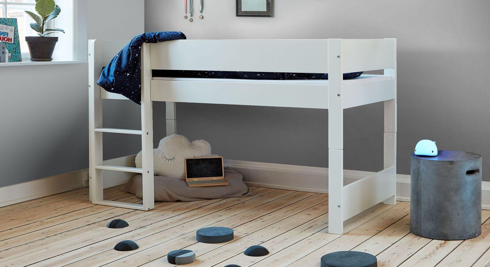 Halbhohes Bett Tacora mit niedriger Liegehöhe