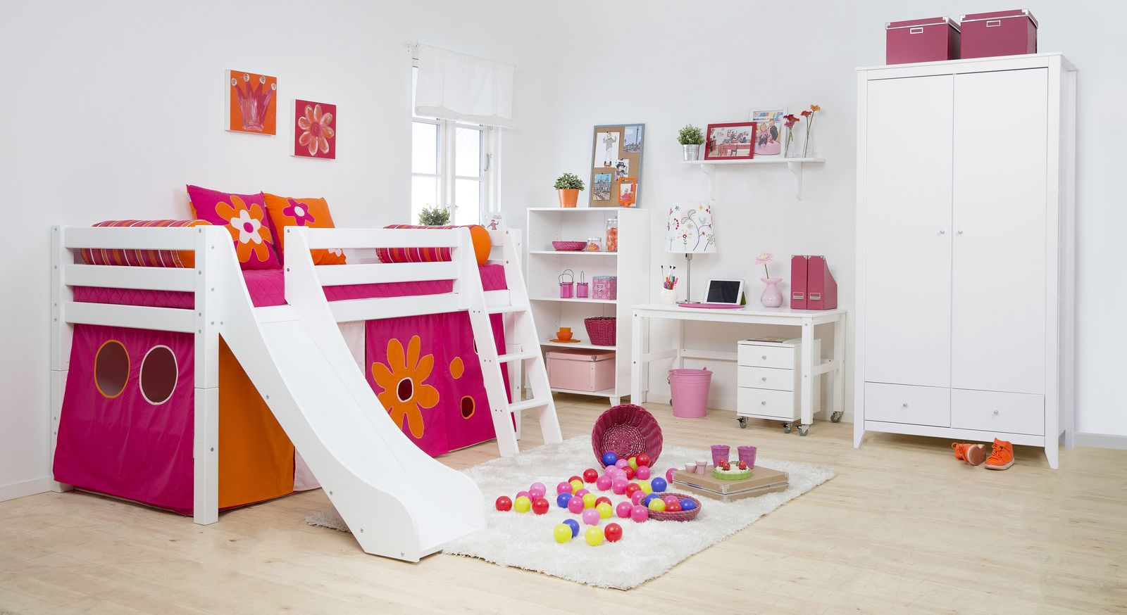 kinderzimmer komplett mit rutschbett aus kiefer blumenm dchen. Black Bedroom Furniture Sets. Home Design Ideas