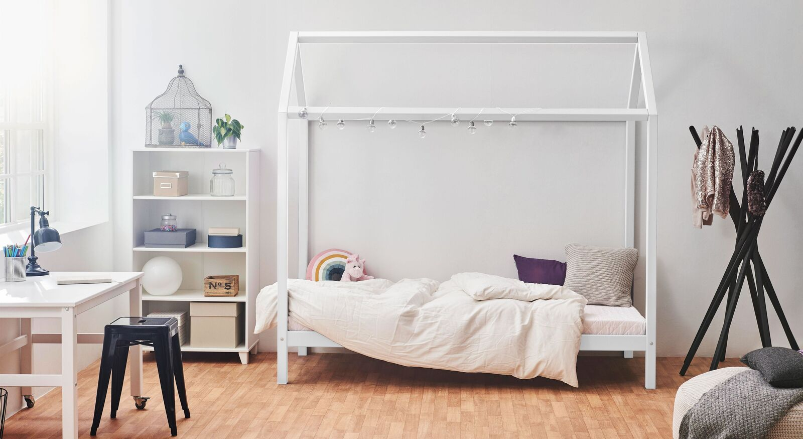 Modernes Hausbett Kids Heaven Girl und Boy in Weiß