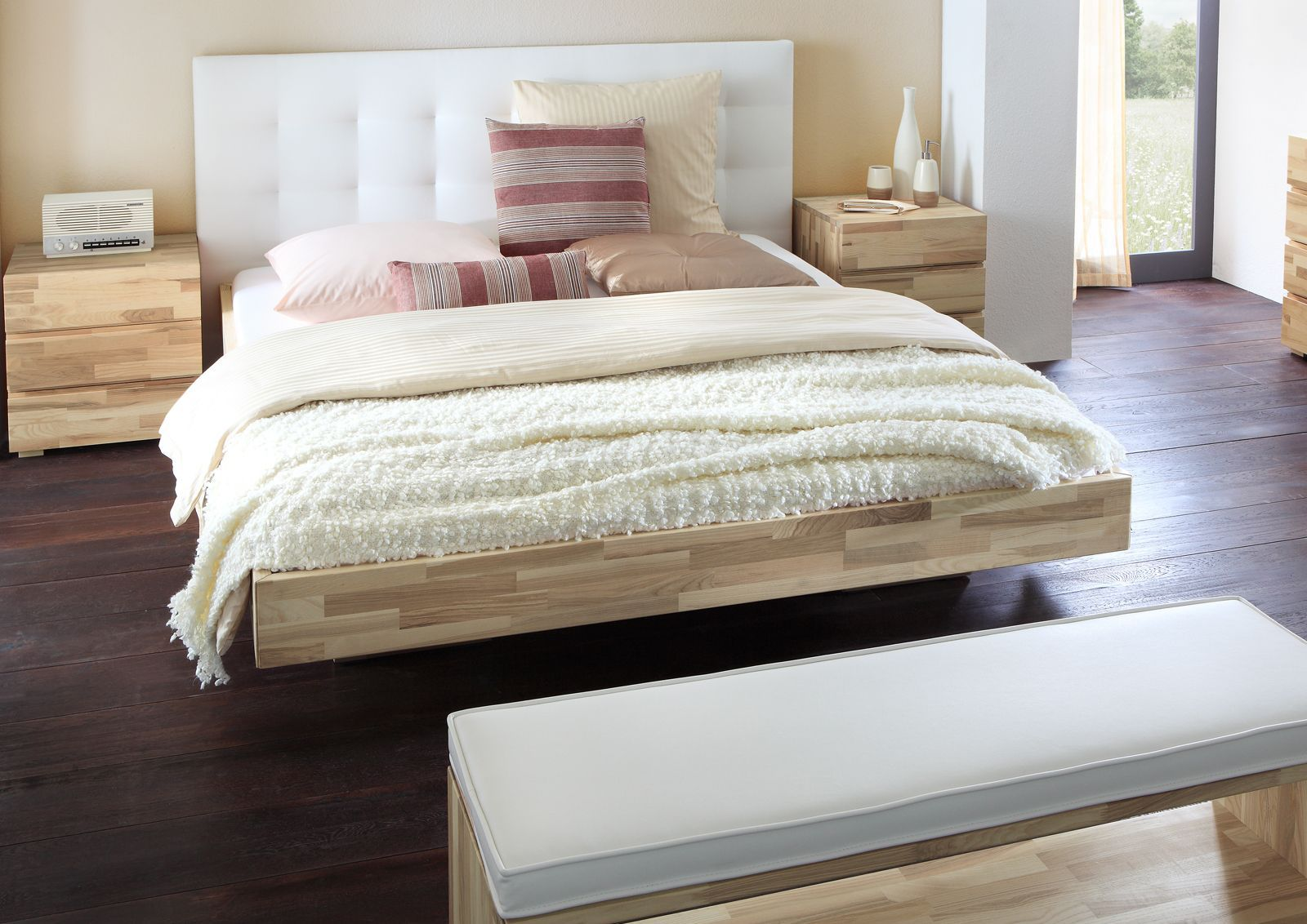 Schwebendes Bett aus Eschenholz mit Kopfteil - Bett Portland