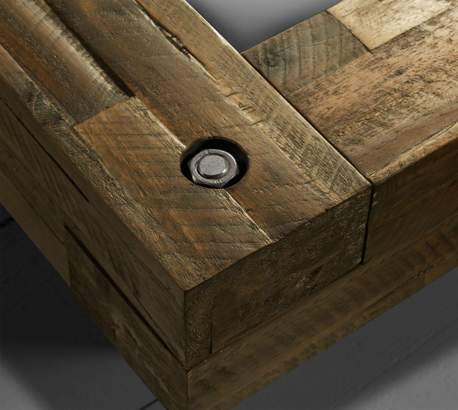 Bett im Industrielook aus Massivholz kaufen - Molina