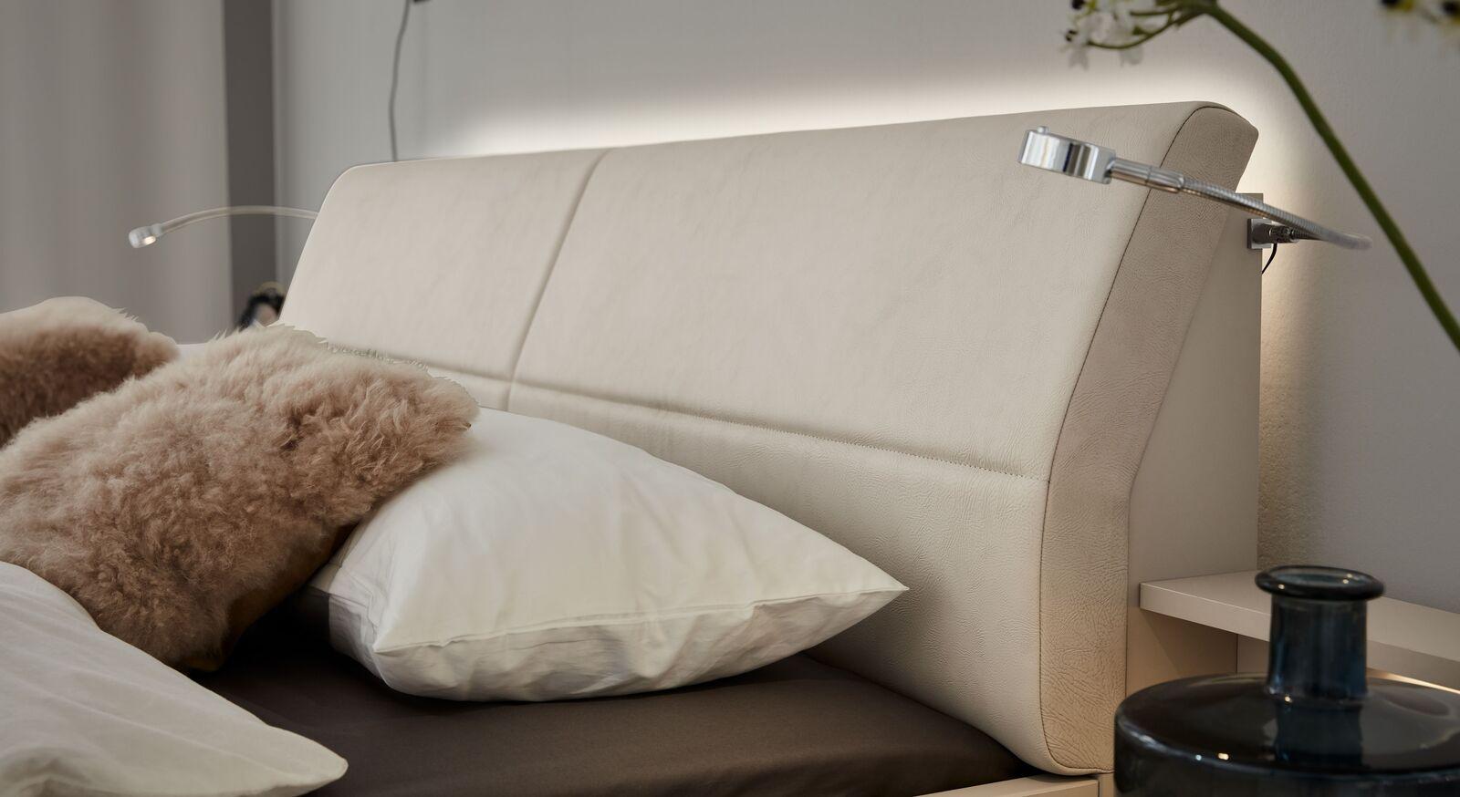 Edles und praktisches INTERLIVING Beleuchtungsset für Bettkopfteil 1009