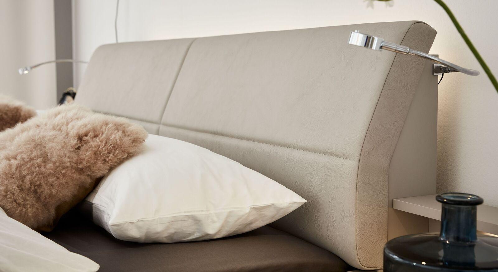 INTERLIVING Bett 1009 mit gewölbtem Kopfteil