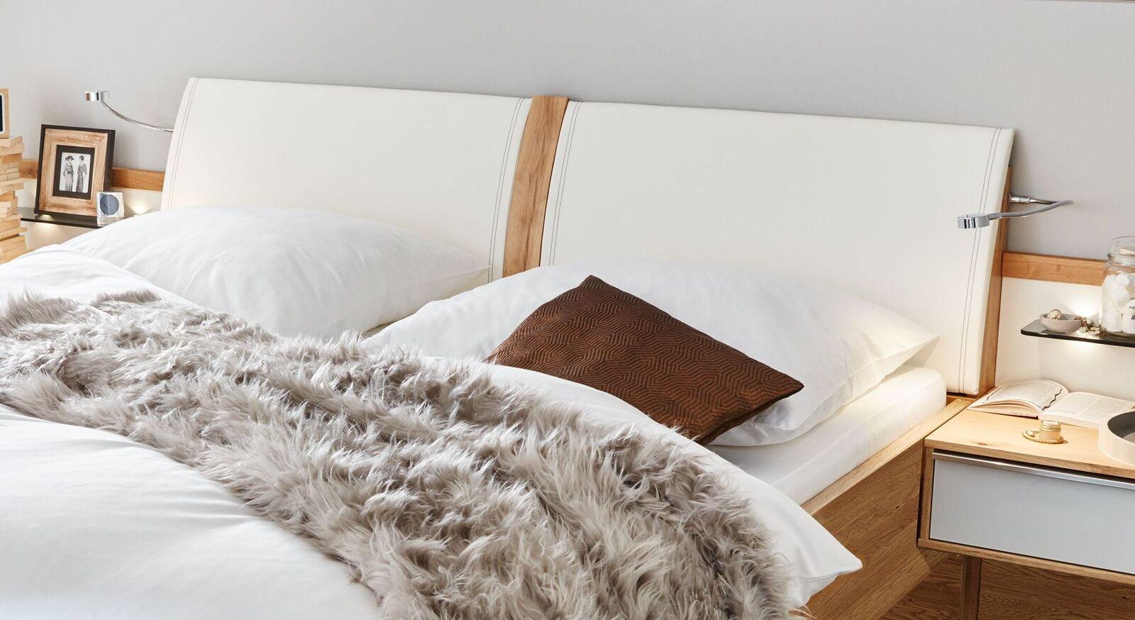 INTERLIVING Bett 1202 mit geteiltem Kopfteil