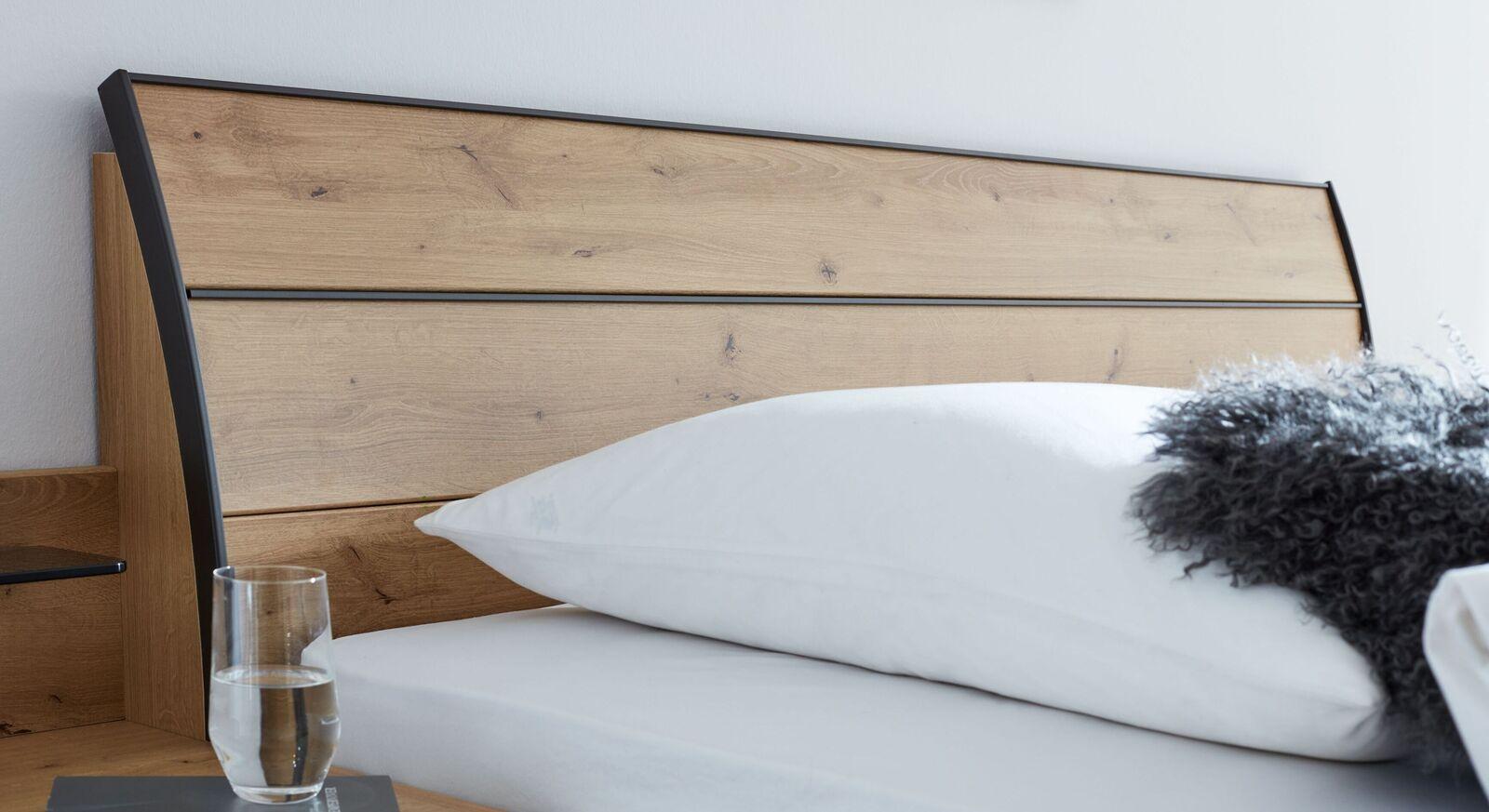 INTERLIVING Bett 1205 mit stylischem Kopfteil