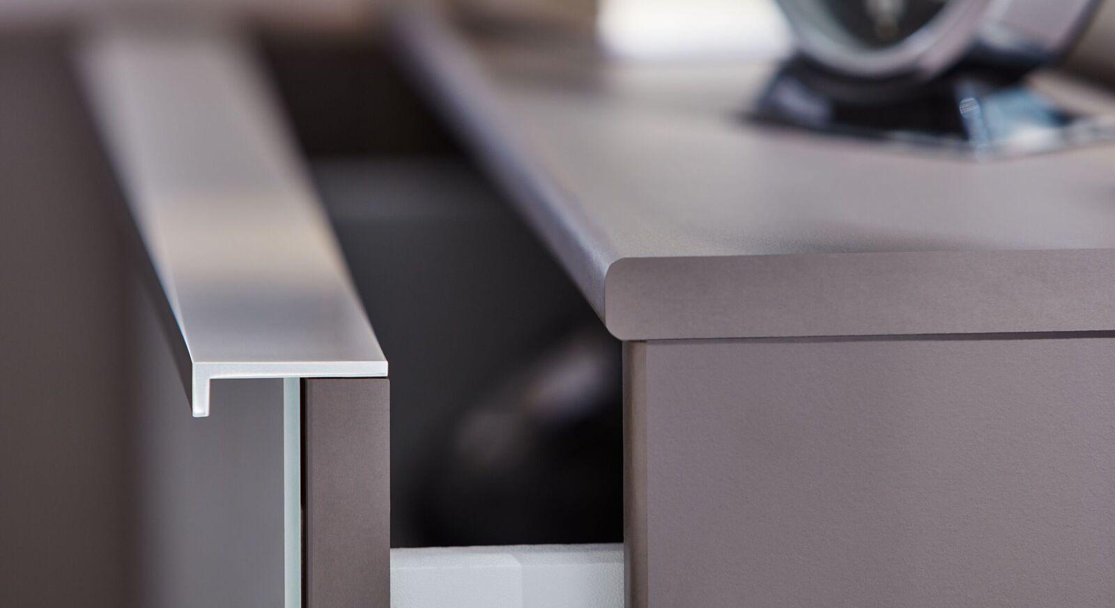 INTERLIVING Nachttisch und Schubladenkommode 1006 mit dezenten Griffleisten
