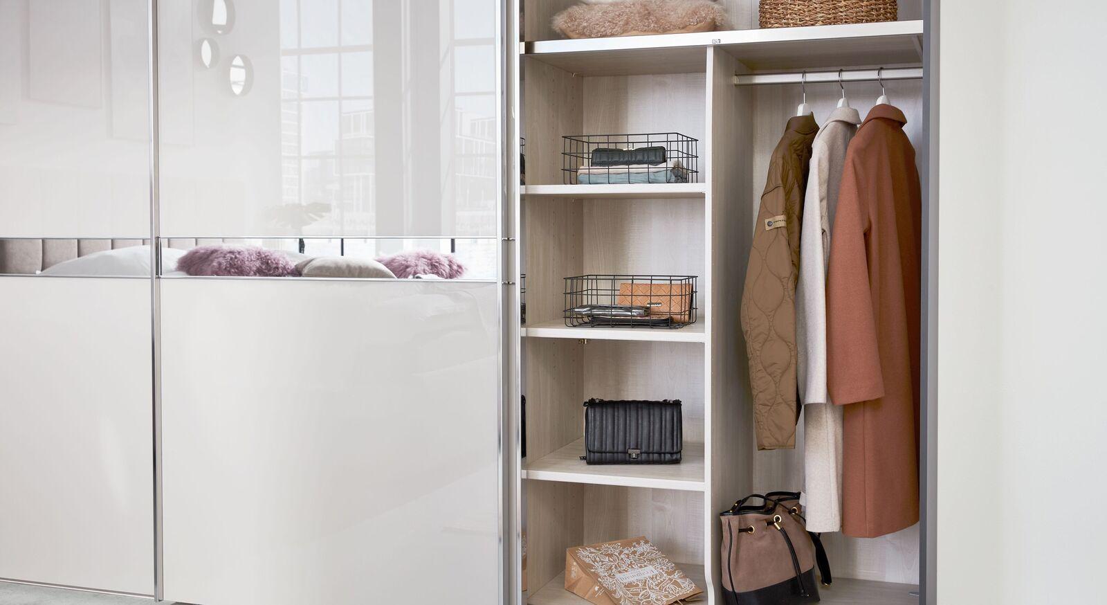INTERLIVING Schwebetüren-Kleiderschrank 1206 mit zusätzlicher Innenausstattung