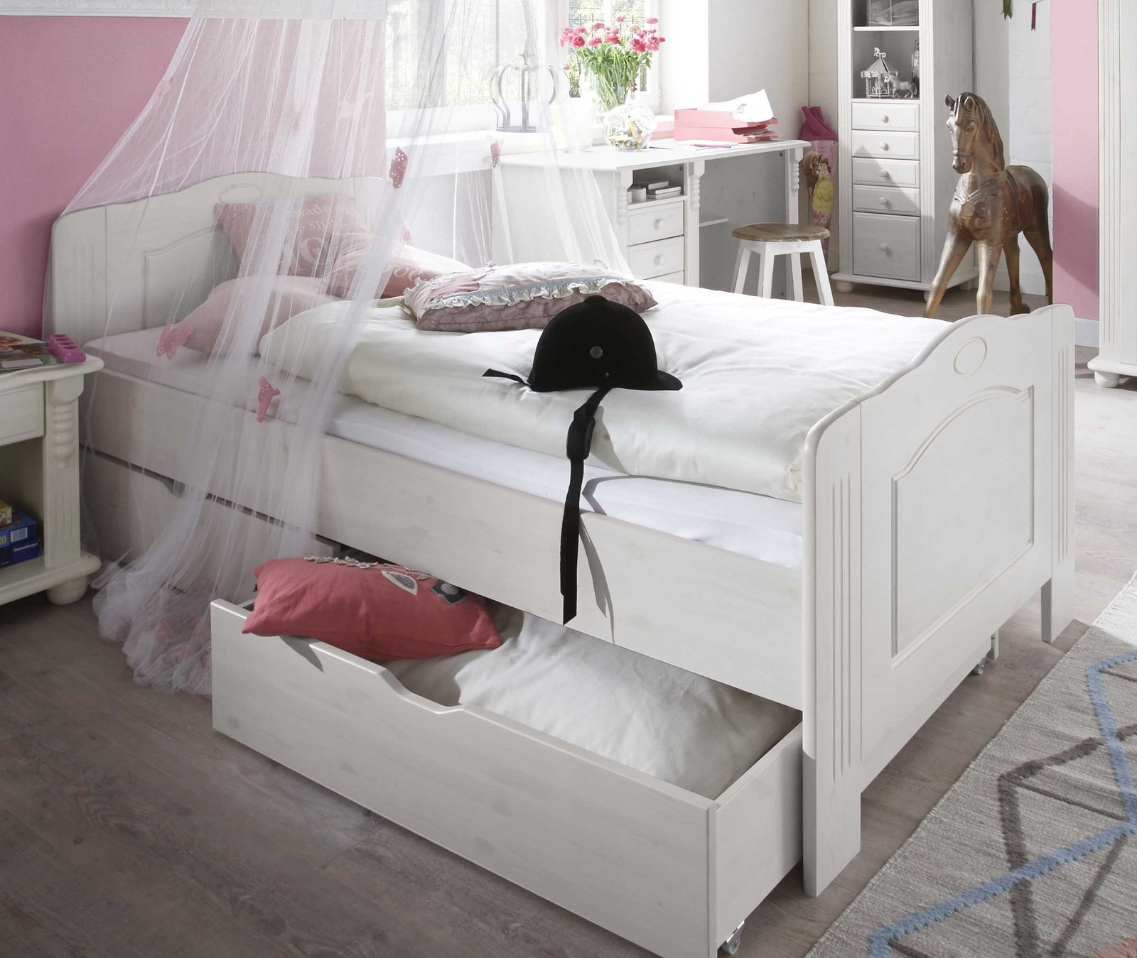 jugendbett im landhausstil 90x200 cm kiefer massiv. Black Bedroom Furniture Sets. Home Design Ideas