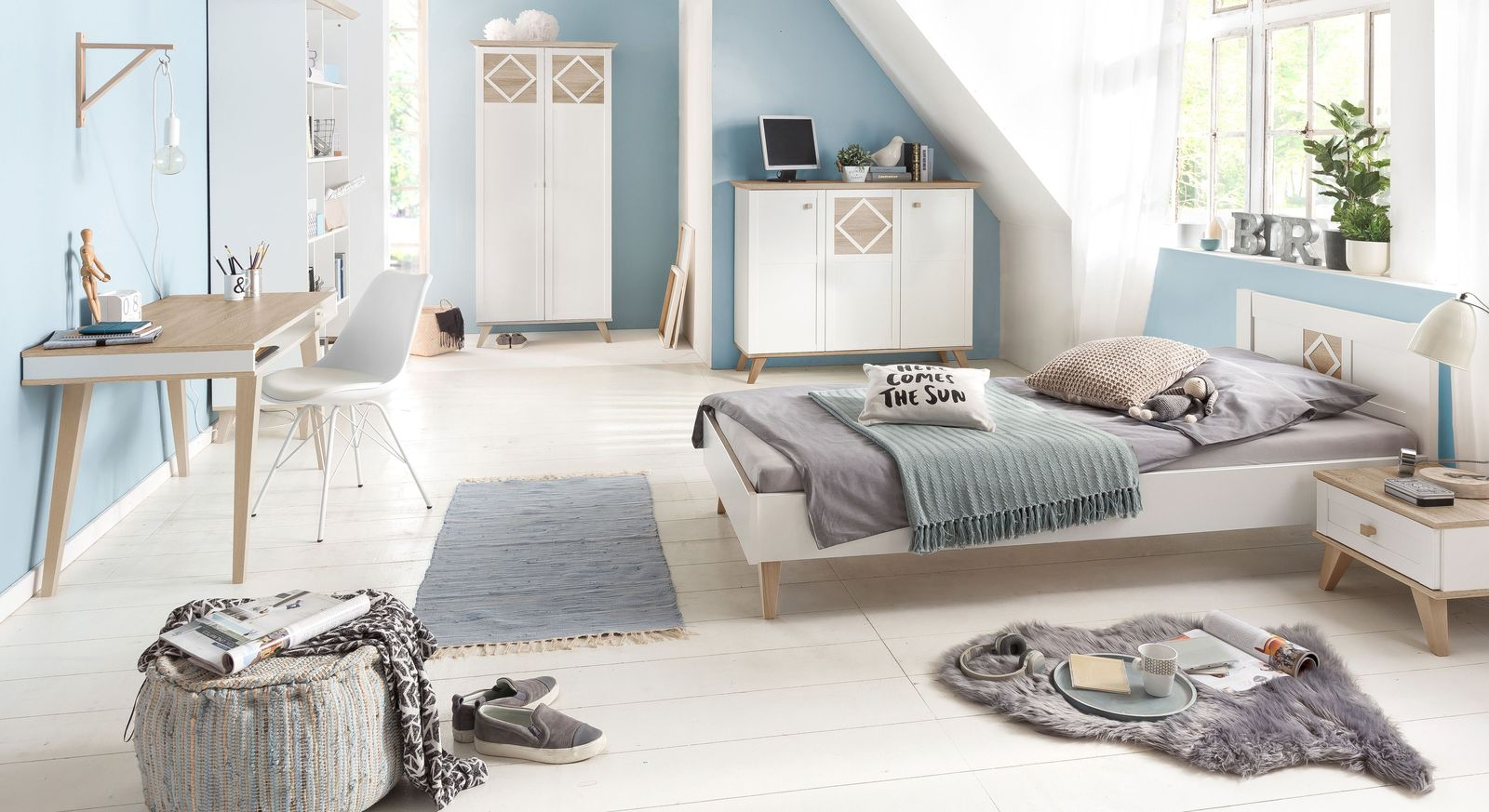 Preiswertes Jugendzimmer Atina mit hellen Möbeln
