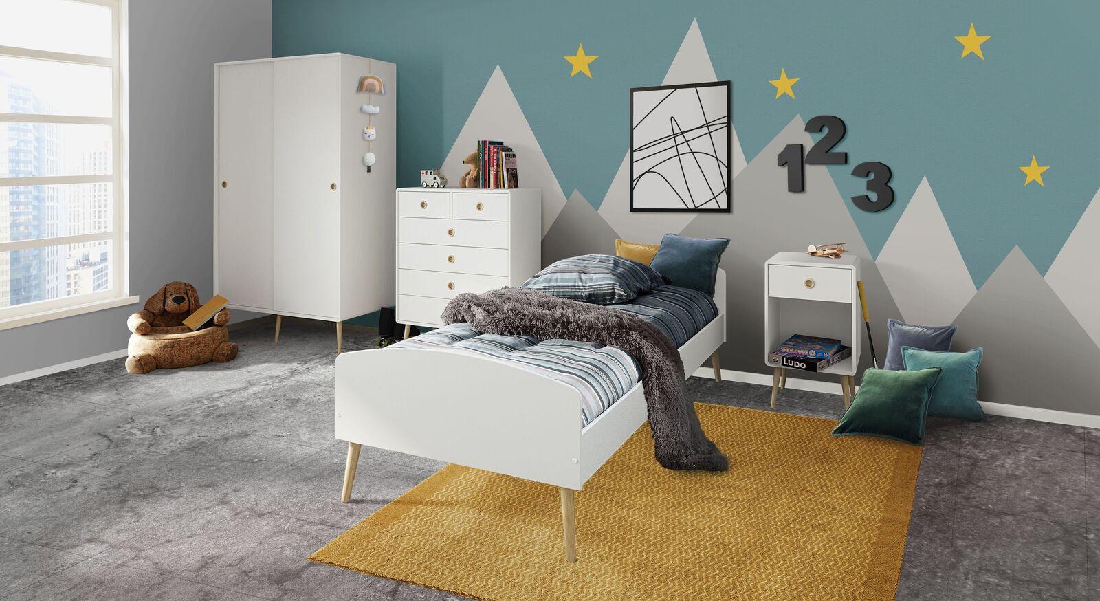 Jugendzimmer Zuria mit kindgerechten weißen Möbeln