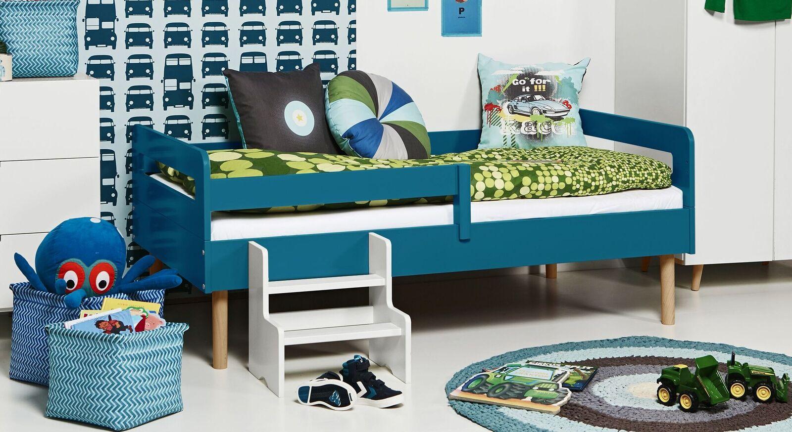 Modernes Kinderbett Kids Town Retro aus aquafarbenem MDF