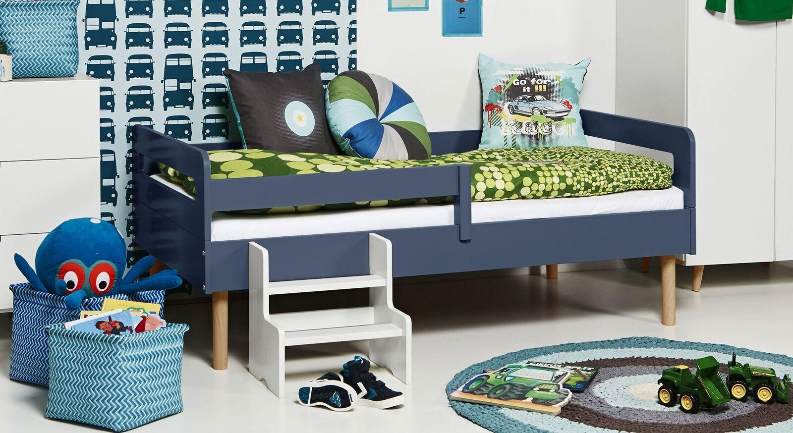 Modernes Kinderbett Kids Town Retro aus jeansblauem MDF
