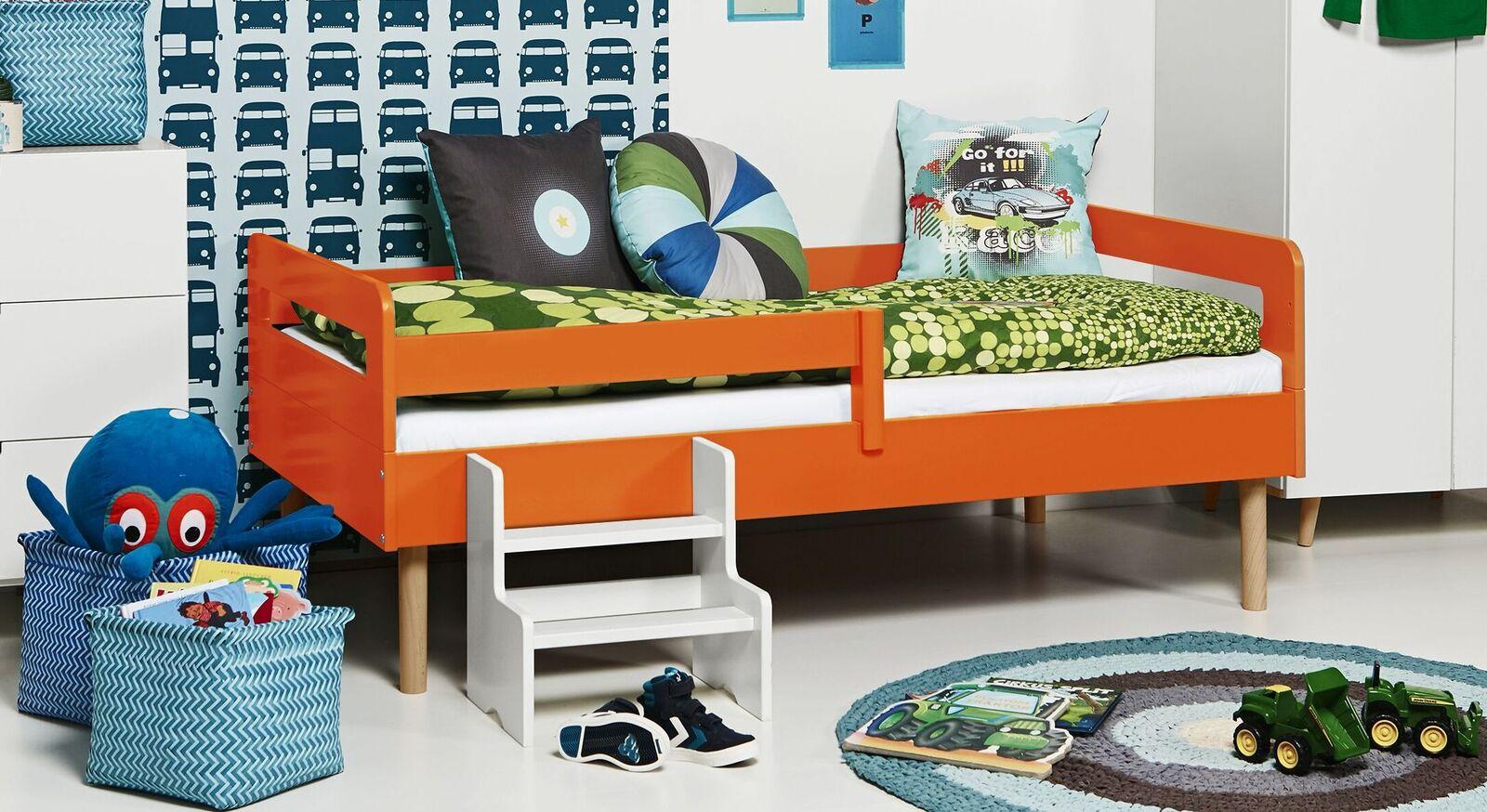 Modernes Kinderbett Kids Town Retro aus orangenem MDF