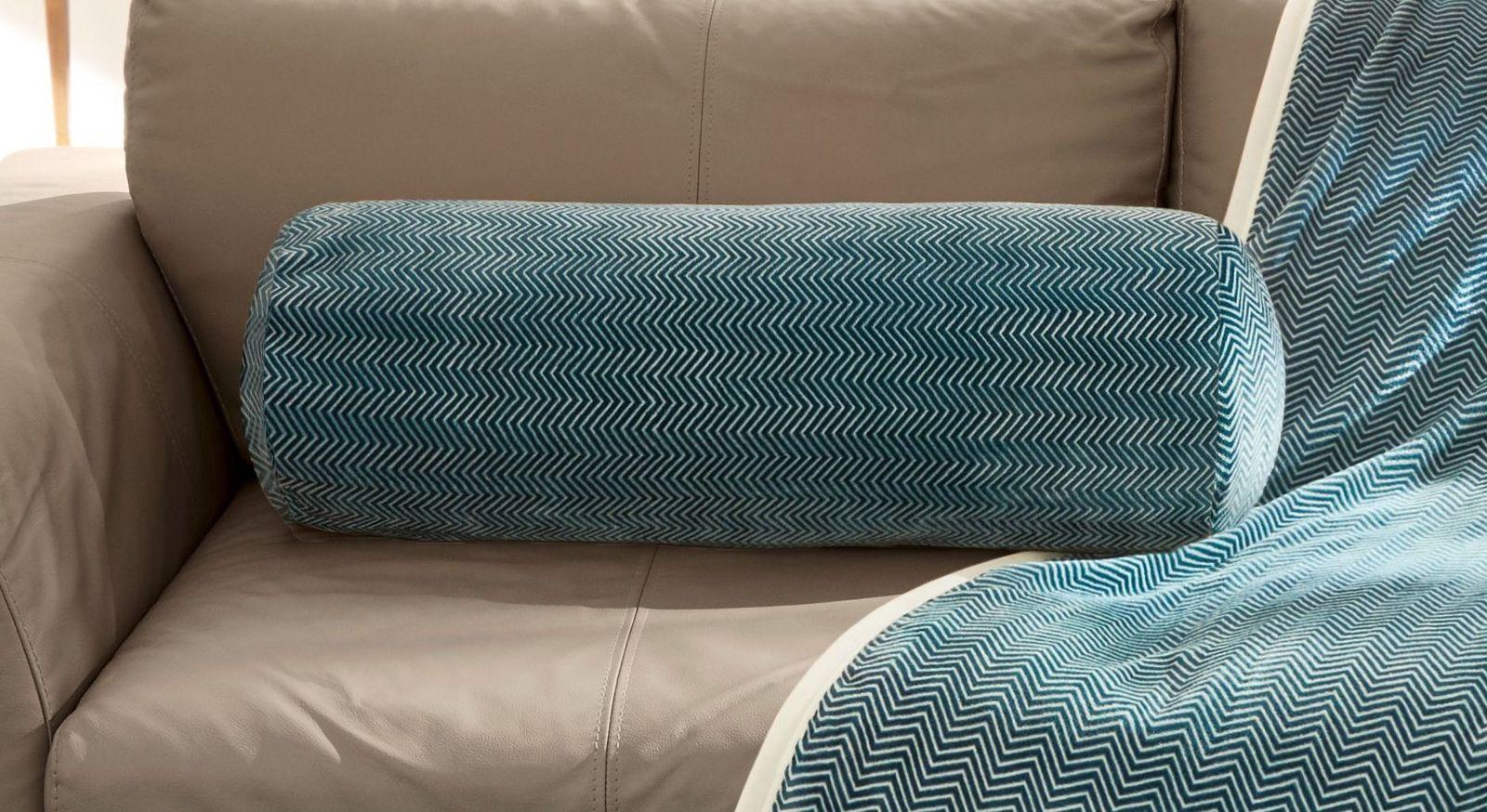 Große Kissenrolle mit Fischgrät-Muster