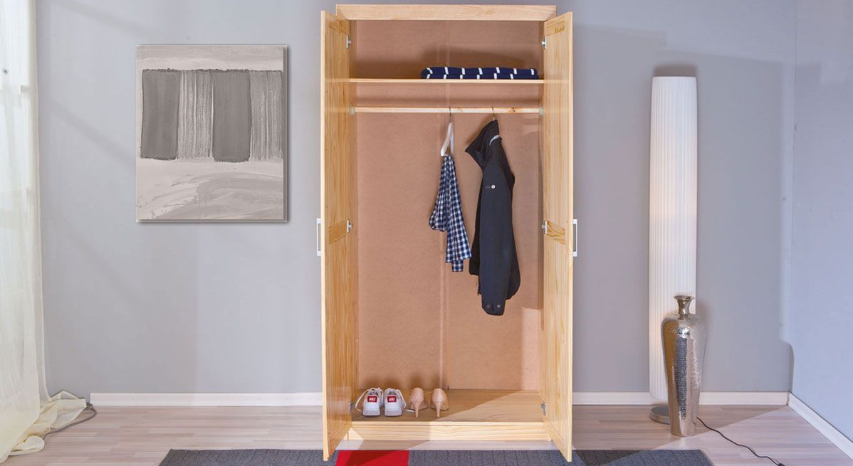 Kleiderschrank Ternitz bietet viel Platz