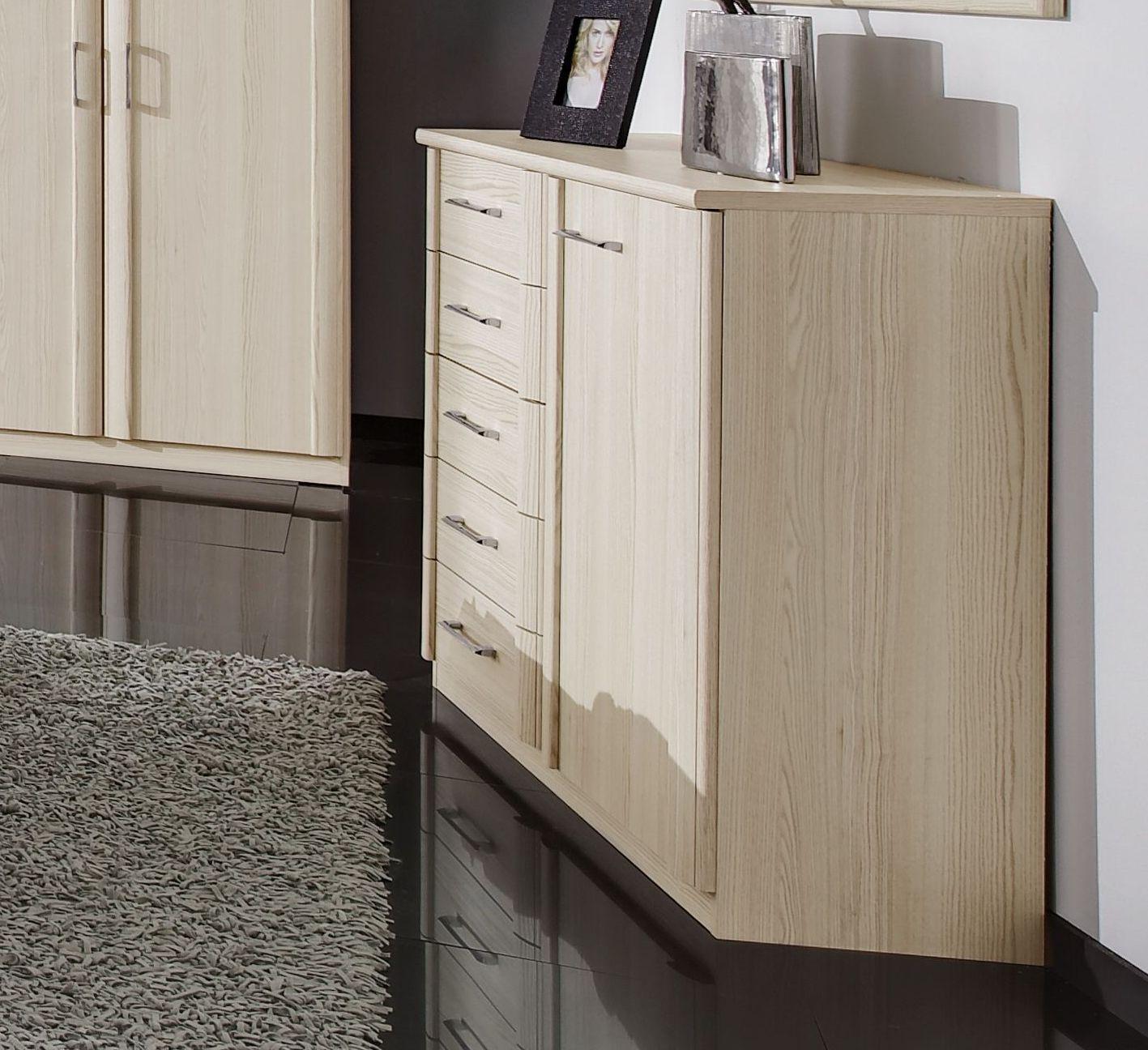 kommode f r das schlafzimmer mit schubladen und f chern rapino. Black Bedroom Furniture Sets. Home Design Ideas