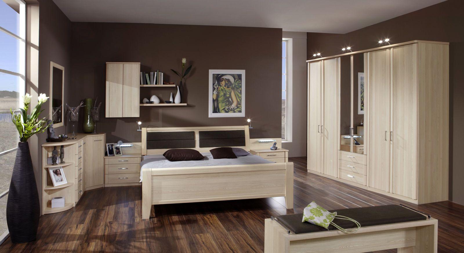 Komfort-Doppelbett Rapino mit kompletter Schlafzimmer-Einrichtung