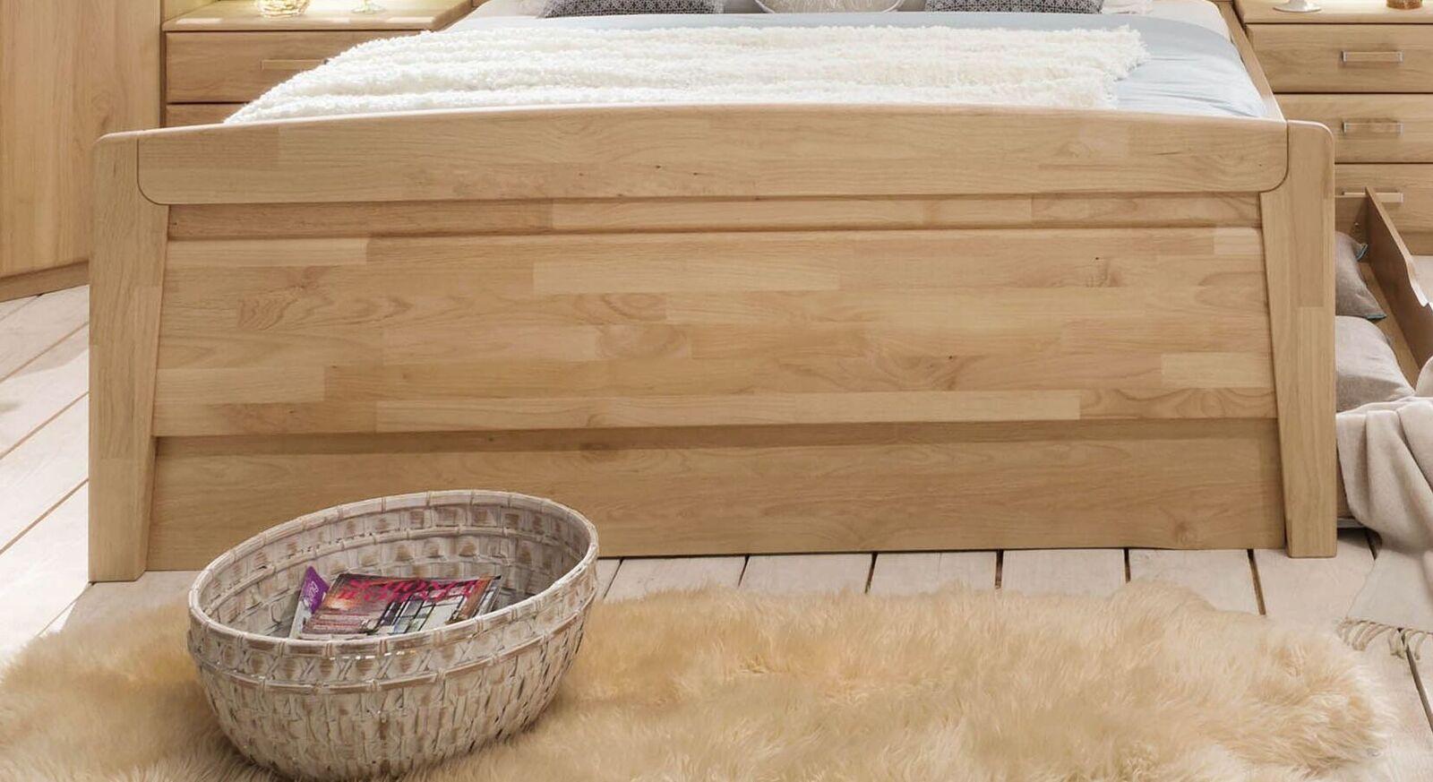 Komfort-Doppelbett Temara mit massivem Fußteil