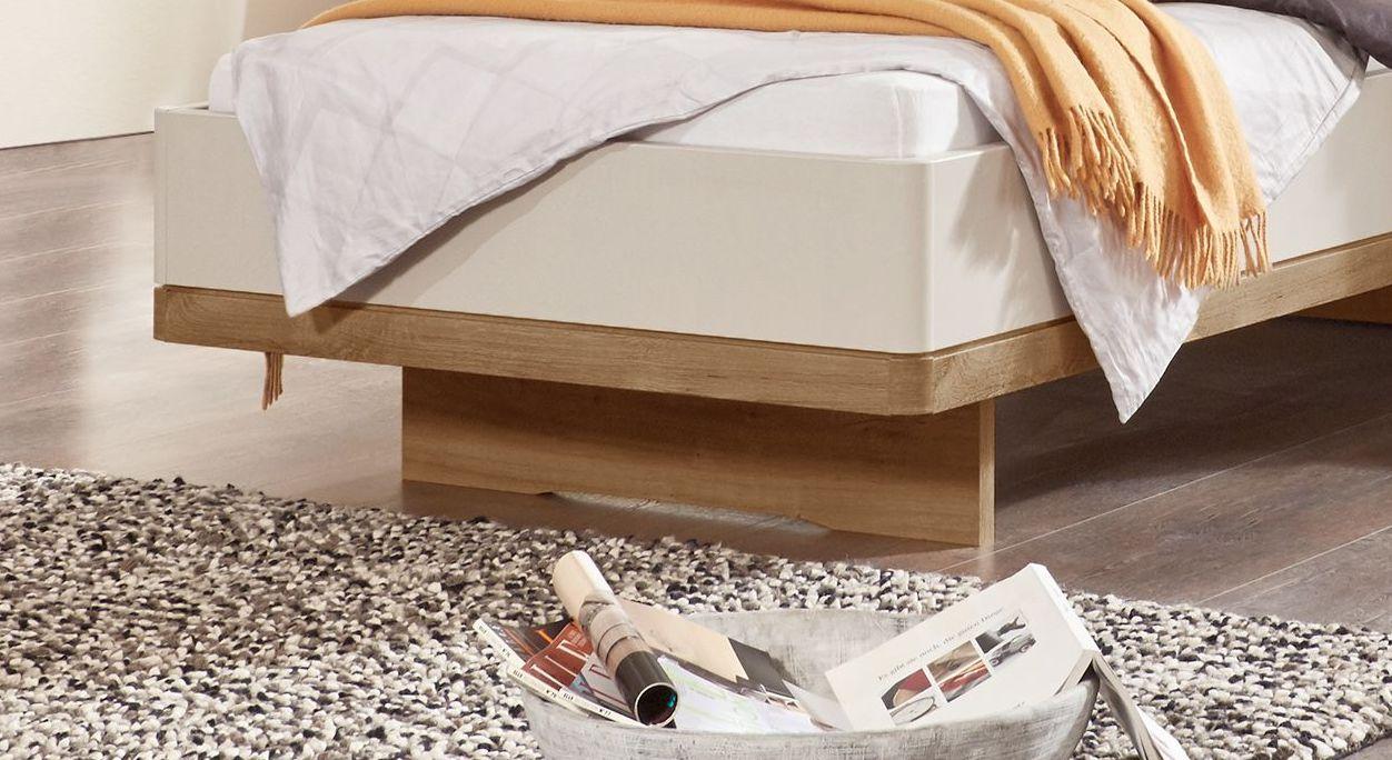Komfort-Einzelbett Dolavon mit gerundeten Ecken und Schweberahmen