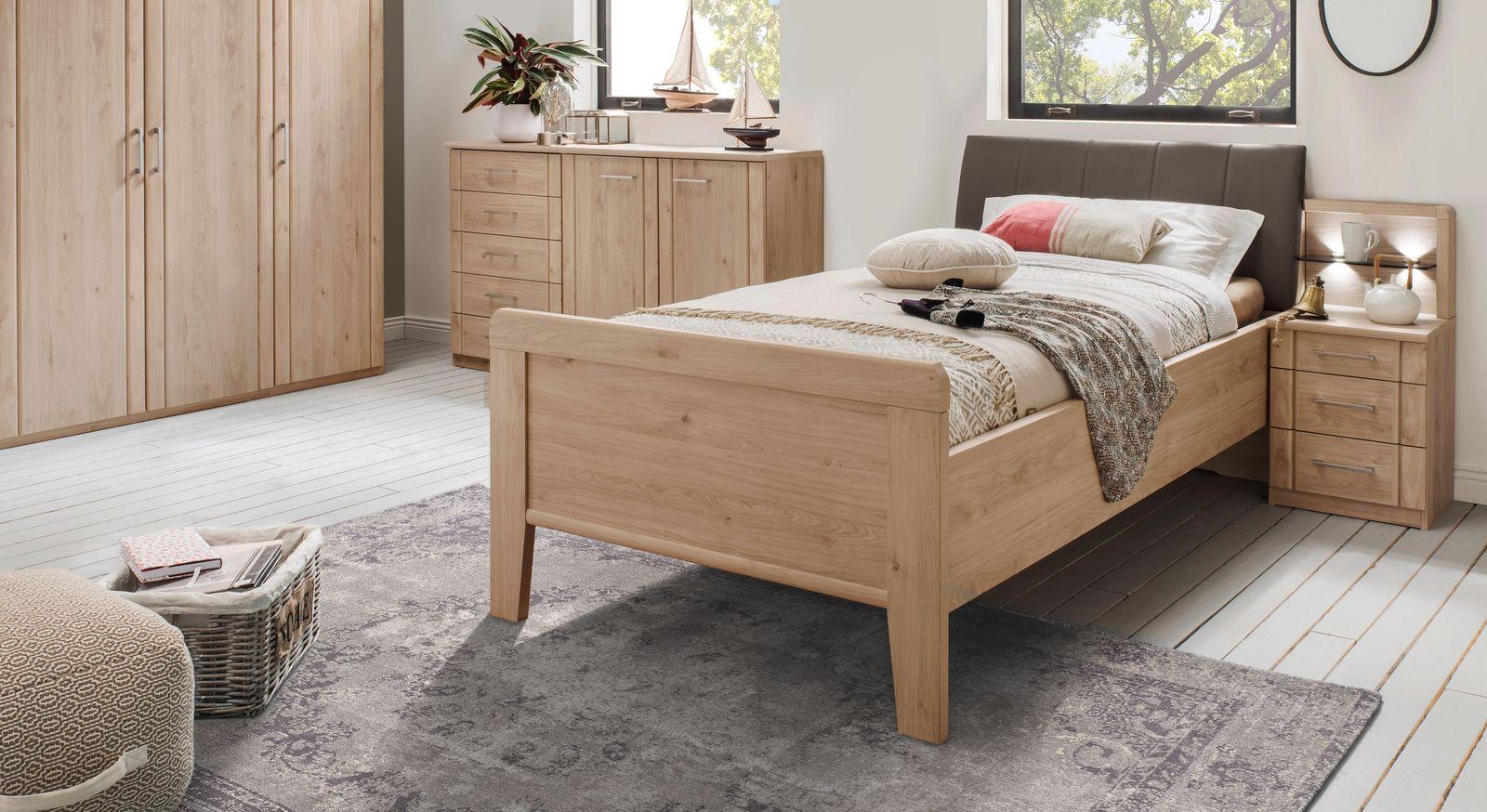 Komfort-Einzelbett Herdorf mit passendem Nachttisch